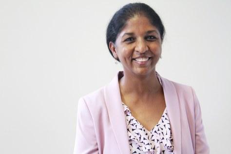La UPC-FOOT lliura el Premi Internacional a l'Optometrista de l'Any a la investigadora Padmaja Sankaridurg