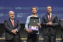 """El proyecto docente """"Aprendizaje Servicio en el ámbito de la optometría"""" galardonado con la distinción Jaume Vicens Vives"""